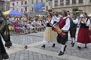 Historický průvod centrem Přerova, ale také řemeslný jarmark a celá řada zajímavých vystoupení na Horním náměstí - takový byl program Svatovavřineckých hodů během neděle.