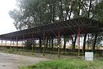 Zástupci přerovského magistrátu si v úterý prohlédli rozlehlý areál Želatovských kasáren, který armáda prodává za 190 milionů korun