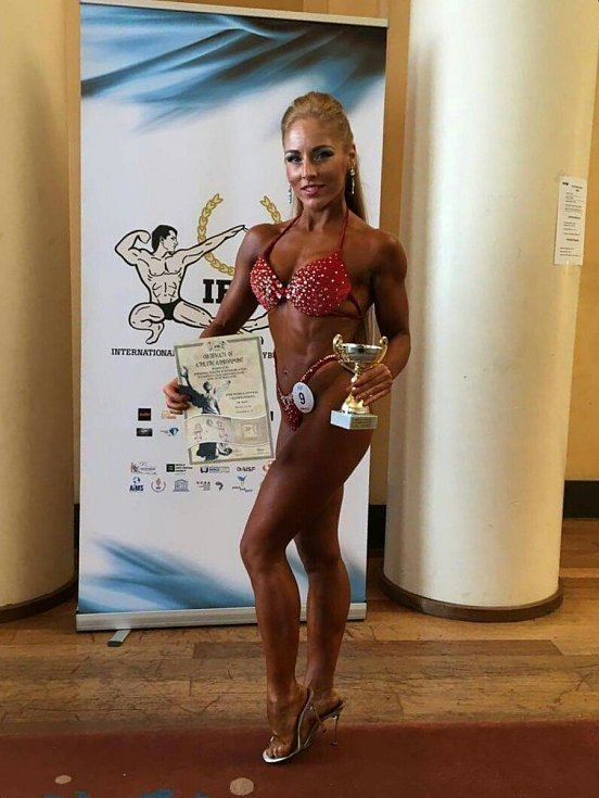 Přerovská fitnesska Lenka Červená-Bořutová skončila na MS 2017 ve Francii na krásném pátém místě