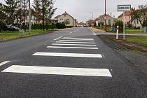 Silnice v Radslavicích se po rekonstrukci, která stála 52 milionů korun, otevřela řidičům.