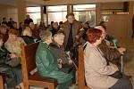 S významnou signatářkou Charty 77 Květoslavou Haukovou se lidé přišli rozloučit do smuteční síně na Městském hřbitově Přerované