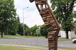Kovové sochy jsou velkým lákadlem k letní návštěvě města Lipník nad Bečvou. Jakub Flejšar: Figura.