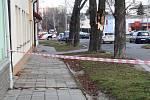 Následky vichřice v noci z 23. na 24. února u přerovského hřbitova.