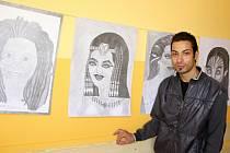 Michal Mirga kreslí nejraději portréty