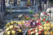 Hřbitov ve Vlkoši. Ilustrační foto