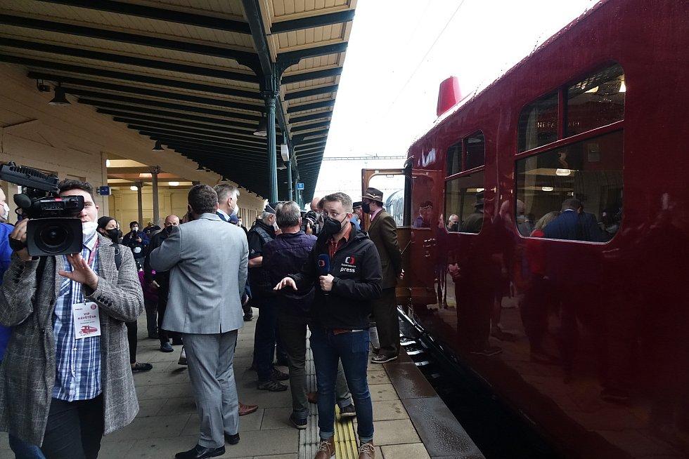 Odjezd Slovenské strely z vlakového nádraží v Přerově do Kopřivnice. 13. května 2021