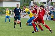 Fotbalisté FK Kozlovice (ve žlutém) proti Novému Jičínu