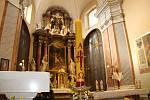 Největší slavnost křesťanského církevního roku - Zmrtvýchvstání Páně - přilákala věřící také do kostela sv. Vavřince v Přerově. Protože kvůli epidemickým opatřením mohla do kostela jen jen desetina věřících, konaly se během dopoledne tři Mše svaté.