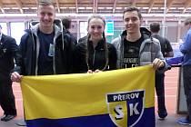 Atleti SK Přerov na Halovém MČR v Ostravě. Zleva Rostislav Mališka, Veronika Čejnová a David Drštička.