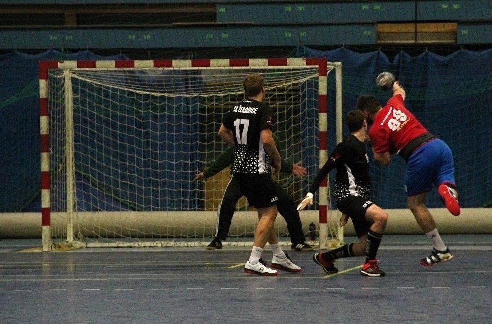 Házenkáři Žeravic (v černém) v pohárovém utkání s Bystřicí pod Hostýnem