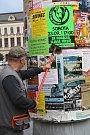 Primátor Přerova  Vladimír Puchalský nechal ve městě vylepit plakáty s kontaktem na Děti Země, které blokují stavbu dálnice D1 Říkovice - Přerov.