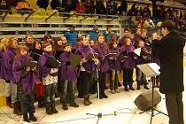Zpívání koled v přerovské Meo Aréně