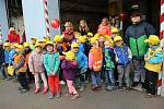 Prohlédnout si zázemí hasičské zbrojnice a techniku, kterou používají záchranáři při zásazích, mohly děti z přerovských mateřských a základních škol. Pátek třináctého přilákal do budovy Hasičské záchranné stanice v ulici na Šířavě stovky dětí.