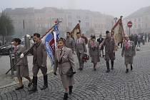 Připomenout si 69. výročí Dne vzniku Československa přišlo v úterý 28. října na náměstí několik desítek lidí
