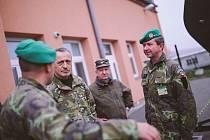 Ministr obrany Martin Stropnický navštívil v pátek vojáky v Lipníku nad Bečvou.