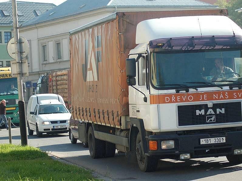 Dopravní zácpy v Přerově kvůli uzavřené Tovární ulicii