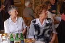 Setkání pětaasedmdesátiletých jubilantů s představiteli města se uskutečnilo v pondělí 22. dubna ve velkém sále Městského domu v Přerově