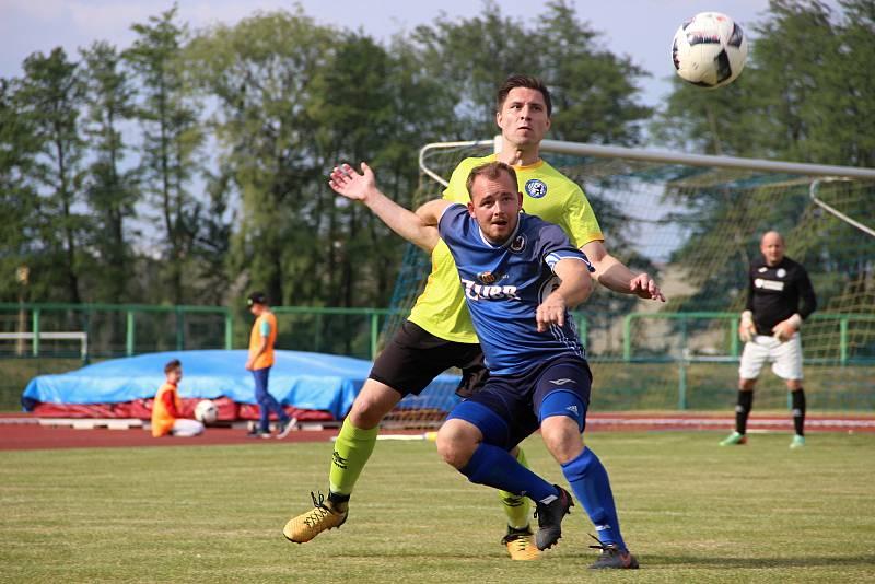 David Chuda (v modrém)