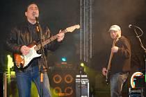 Povánoční koncert kapel Eric Clapton Revival a Petr Novák Revival na přerovském náměstí