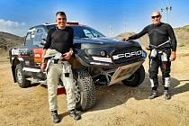 Dřevohostický závodník Miroslav Zapletal (vpravo) a slovenský spolujezdec Marek Sýkora na rallye Dakar 2021.