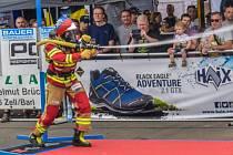 Přerovský profesionální hasič Martin Plšek z náročného závodu Firefighter Combat Challenge (FCC) Mosel v Německu přivezl stříbrnou medaili.