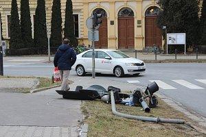Spadlý semafor v Přerově a jeho oprava