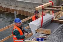 Stavba Tyršova mostu v Přerově - polovina listopadu 2011