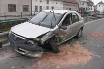 Nehoda fordu a dacie u obce Křtomil