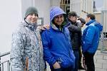 Jágrmánie v Přerově. Fronta na lístky na utkání s Kladnem hodinu před otevřením pokladny