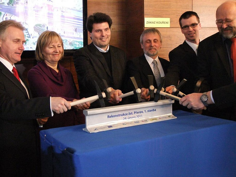 Modernizaci uzlu v Přerově zahájili ve čtvrtek zástupci ministerstva dopravy, Správy železniční dopravní cesty, města a kraje