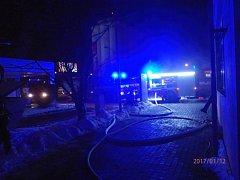 Požár autosalonu v Přerově.