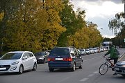 Dopravní zácpy se začaly tvořit po uzavírce dvou důležitých kruhových objezdů v centru Přerova