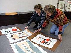 Přípravy na výstavu grafik Jiřího Slívy ve Výstavní síni Pasáž v Přerově vrcholí. Vernisáž se koná v pátek 23. října v 17 hodin