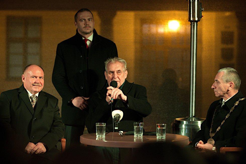 Prezident Miloš Zeman - Setkání s občany na náměstí TGM v Lipníku nad Bečvou
