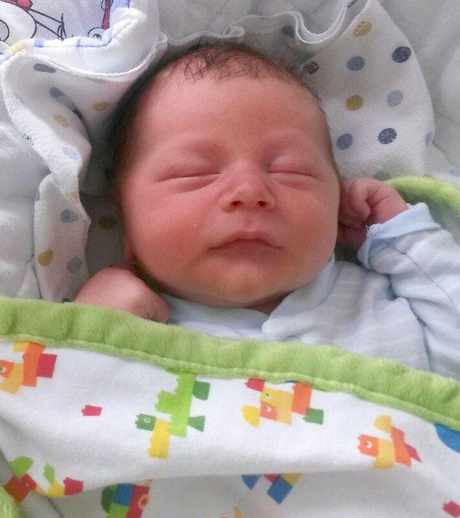 Jiří Vrba, Přerov, narozen dne 31. srpna v Přerově, míra 50 cm, váha 3782 g