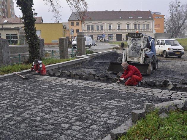 Výstavba zpevněné plochy v těsném sousedství slavných archeologických nálezů v lokalitě Na Marku v Přerově