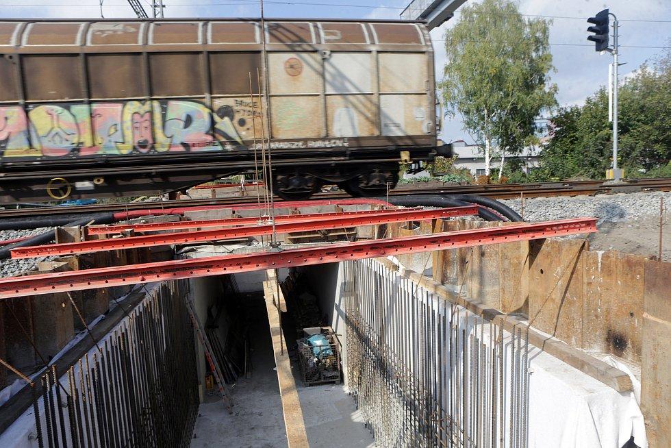 Modernizace Dluhonické spojky na železniční trati u Přerova. Podjezd v Předmostí.