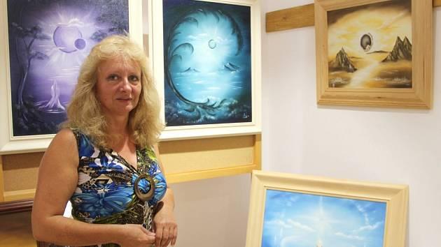 Svou tvorbu představí Ludmila Šlosarová v Muzeu Záhoří ve Veselíčku, kde také žije.