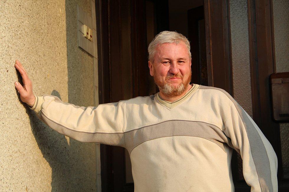 Marek Skopal je členem prosenického spolku Chmelínkáři, který sdružuje fandy domácí výroby piva.