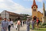 Obec Hradčany navštívila ve čtvrtek odpoledne komise, která vybere ze třinácti krajských finalistů z celé republiky vítěze soutěže Vesnice roku ČR.