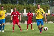 Fotbalisté Kozlovic (ve žlutém) proti FC Heřmanice Slezská
