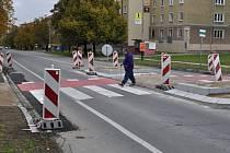 Na bezpečnostní ostrůvky a dva nové přechody, které jsou součástí stavby cyklostezky mezi Přerovem a Želatovicemi, si obyvatelé této místní části nemůžou zvyknout.