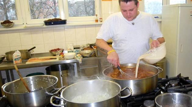 Podzimní festival gulášů a piv na Střední školea gastronomie a služeb Přerov.
