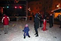 Silvestrovská párty na náměstí v Lipníku.