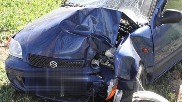 Na Přerovsku došlo o víkendu k šesti dopravním nehodám. Některé si vyžádaly lehká a bohužel i těžká zranění - Nehoda u Troubek
