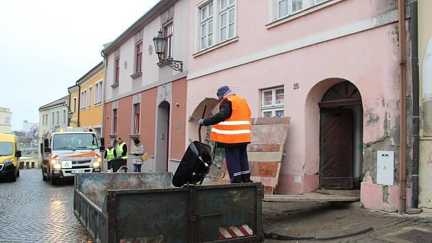 Z měšťanského domu na historickém Horní náměstí v Přerově toho po zásahu stavebních dělníků moc nezbylo - zůstaly jen obvodové zdi, štít a původní sklepení.