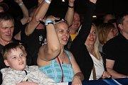Vrcholem narozeninových oslav přerovského pivovaru byl v pátek večer koncert kapely Tři sestry.