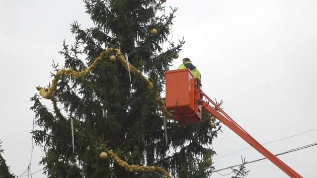 Zdobení vánočního stromu v Přerově