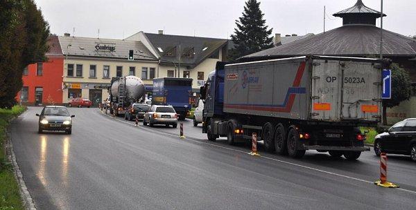 Ulice Velké Novosady po frézování a položení nového asfaltového koberce