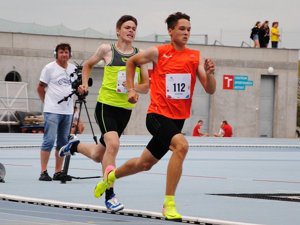 Přerovští atleti bojovali na Letní olympiádě dětí a mládeže v Brně. David Skřeček v rozběhu na 300 metrů